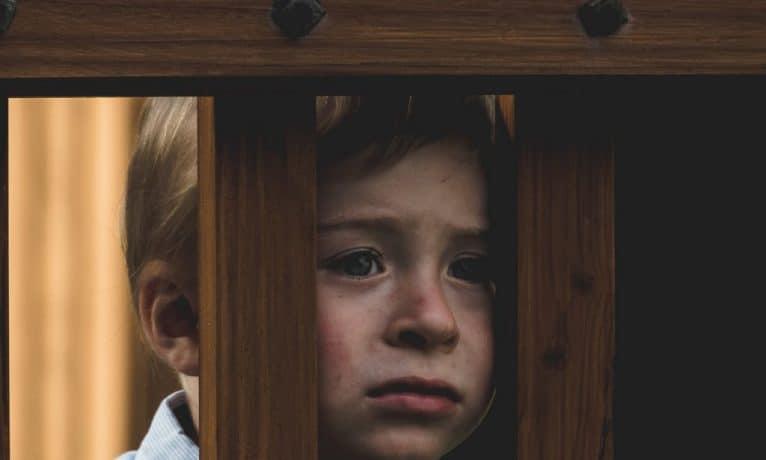 Jakie są pierwsze oznaki autyzmu u dziecka?