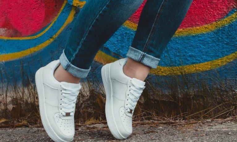 Jak wybrać sneakersy?
